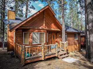 Sugar Pine~Charming Log Home~Fully Furnished & Equipped~Minutes To The Lake~