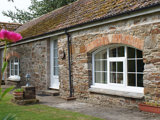 Yew - 1 Bedroom Cottage - Sleeps 3 - North Devon