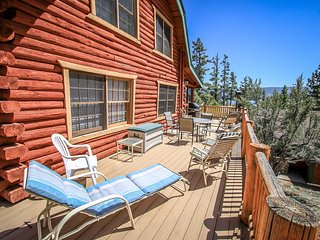 ~Bear Lodge~Fawnskin Tri-Level Lakeview Group Retreat~Game Room~Views~