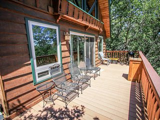 Kikis Chalet Adorable 2BR Moonridge Chalet w/ Loft / Essentials Included
