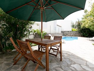 Lovely house, pool, WiFi, nr Granada, beach, hills, Grenade