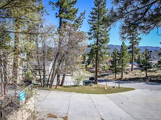982 B-Lakeview Lodge, Big Bear Region