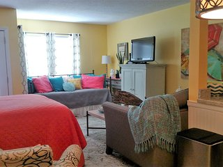 Guests are sure to enjoy a memorable vacation in this cozy furnished condo!