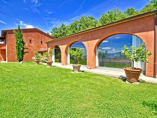 Villa Sorgente with private swimming pool, Sarteano