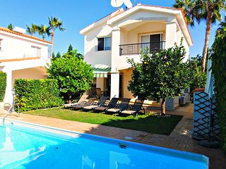 Coral Bay 3 Bed Villa just minutes walk to Coral Bay Beach - Private Pool - Wifi, Paphos
