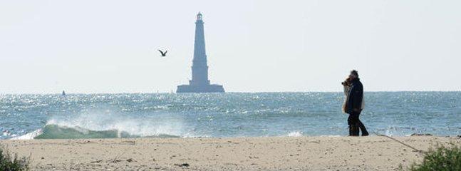 Vue du phare de Cordouan depuis la plage
