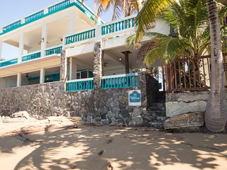 Sunset Paradise Beachfront Villas: Villa 1 Upper, Rincon