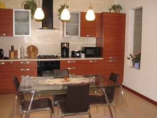 Spacious rooms in charming maisonette