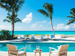 Luxury 5 bedroom Turks and Caicos villa. Luxury Beachfront!, Grace Bay