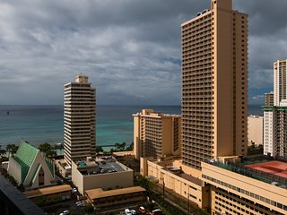 Waikiki Banyan Tower 1 Suite 2210 ~ RA136591