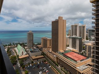 Waikiki Banyan Tower 1 Suite 3112
