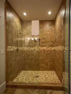 Spacious shower in Guest Studio Bathroom