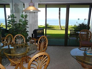 Sugar Beach Resort 1 Bedroom Ground Floor Beach Front 122, Kihei
