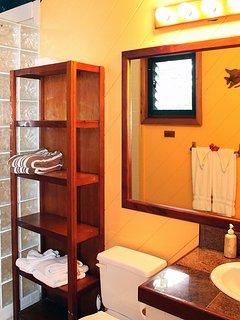 22-Guest House Bath