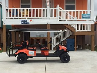 Orange Flamingo: Brand NEW Listing, Close to Beach, TV's in Every Room, Port Aransas