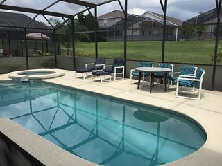 LUXURY BRIDGEWATER VILLA NEAR DISNEY, Davenport