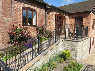 Linley Cottage, Hesterworth Holidays, 5* Bed and Breakfast, quiet, lovely views., Craven Arms
