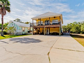 Dream Fisher Five / 5BR 3BA Beach House / Pet Friendly / Now Booking!
