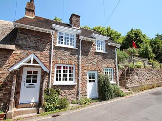 Stag Cottage, Porlock - Charming cottage with character in Porlock village on