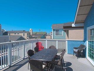 125 B 27th Street- Upper 3 Bedroom 2 Bath, Newport Beach