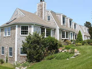 Spacious Nauset Beach Home Sleeps 12: 006-OR, East Orleans