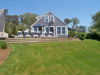 Architect Owned, Renovated, Bay, 1 Min to Bch105-B