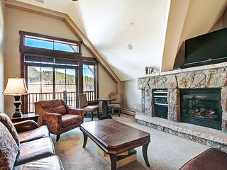 Gorgeous Penthouse Unit-Ski in Ski out on Ideal Peak 7 -FREE Lift Tickets
