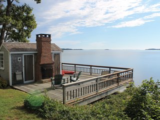 Luxurious waterfront home on Pleasant Bay : 2261-H