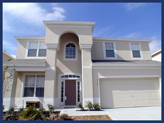 Luxury 6 Bed Family Home - Pool, 2 Miles to Disney, Four Corners