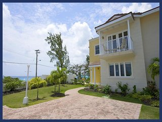Fantastic 3 Bed Townhouse - Close to the Beach, Atlantic Shores