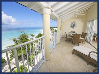 Amazing 3 Bed Beachfront Condo with Ocean Views, Dover