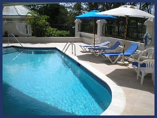 Fantastic 3 Bed Apartment with Pool and Gym, Sunset Crest