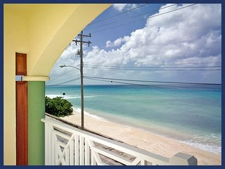 Fantastic 2 bedroom condo overlooking the ocean. Spacious living area with balcony., Speightstown