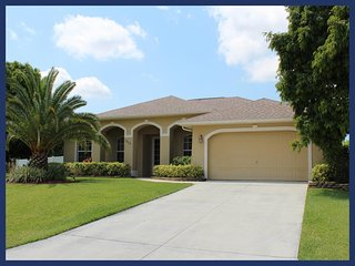 A luxury Cape Coral villa featuring 3 bedrooms and 2 bathrooms - the perfect place to relax, Matlacha