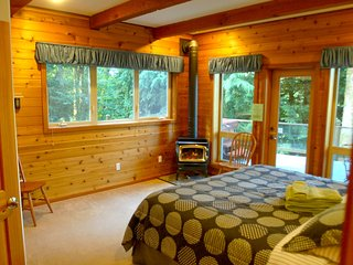 07MF - Lake Front - Hot Tub - BBQ - Sleeps 10