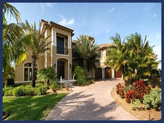 Unique, spacious luxury villa- Movie room- Pool- Entertainment room- Stunning views- 4 bedrooms, Saint James City