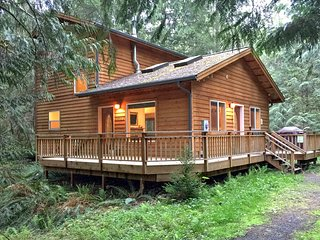 Mt Baker Rim Family Cabin #64-FIREPLACE, WIFI*, PETS OK, BBQ,WASHER/DRYER, SLP-6