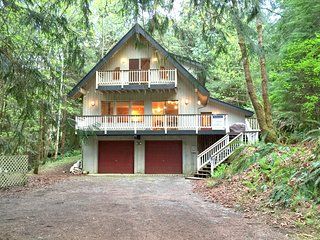 24SL Pet Friendly Cabin at Snowline near Mt. Baker, Glacier