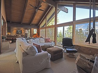 Spacious Chalet in Dollar Point