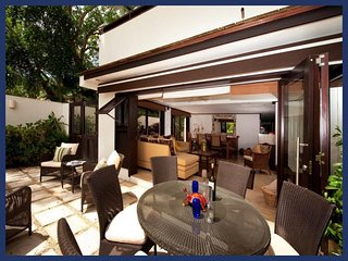 Luxury 2 Bed Beachfront Villa - Golf Nearby, Paynes Bay