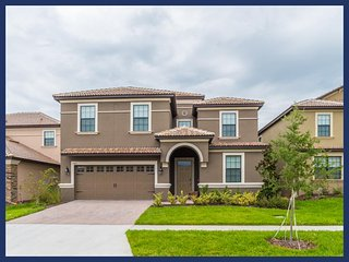Luxury Family Home - Private Pool, Games Room, Durant