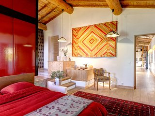 "Luxury B&B and Table d'Hote in a 200 years old Farmhouse: The ""Orient Suite"""