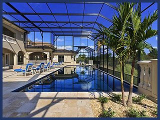 Amazing high end 9 bed, library, home cinema, gym, poker room, huge pool with hot tub, Reunion