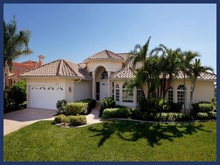 Sophisticated luxury Cape Coral villa- Private boat dock- Private pool- Pet friendly- 5 bedrooms, Saint James City