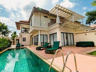 Beautiful 4 Bed Villa in Laguna Phuket