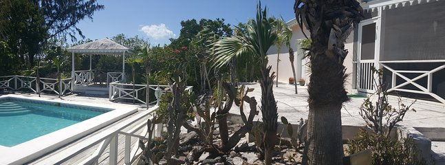 Exterior - villa and pool