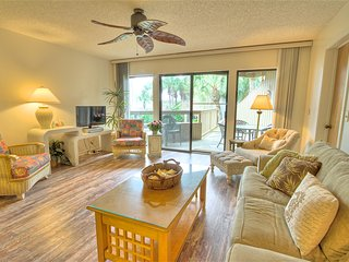 Hibiscus Resort - H204, Garden View, 2BR/2BTH, 3 Pools, Wifi, St. Augustine