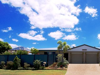 Getastay Anaheim Twin Home 1 - Gold Coast Theme Park Central - Spa Pool, Upper Coomera