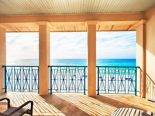 Frangista Pearl Beach Front! Elevator, Stunning Views of the Gulf, Splash Pool!