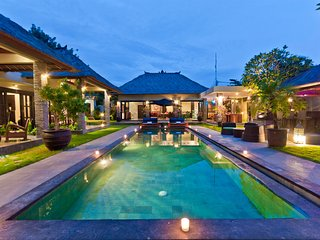 TRUE LUXURY TROPICAL OASIS. 5 BDR Villa in SEMINYAK